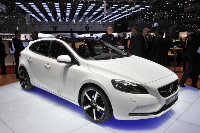 Volvo V40. Фото: ABRICE COFFRINI / AFP / Getty Images