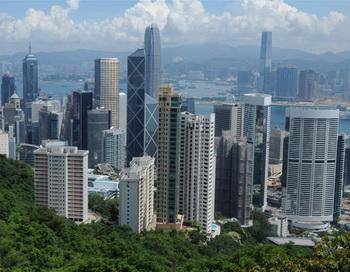 Эмигранты поддерживают рынок недвижимости Гонконга. Фото:  Mike Clarke/AFP/Getty Images