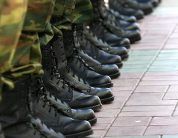 Солдаты. Фото из архива РИА Новости