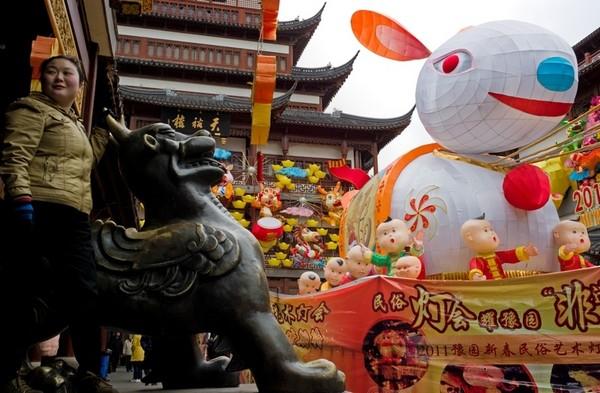 Китайский Новый год Кролика. Шанхай. Фото: AFP PHOTO / Philippe Lopez
