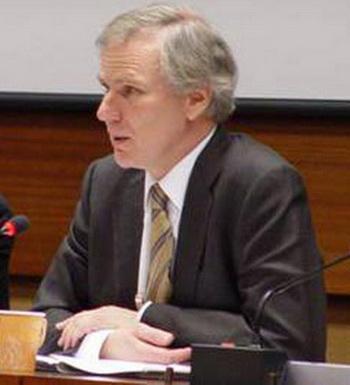 Специальный докладчик г-н Филип Олстон. Фото:epochtimes.ru