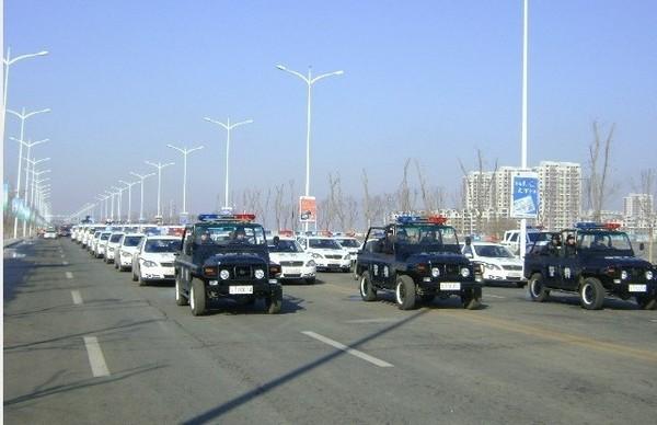 Для подавления людей власти мобилизовали сотни полицейских. Провинция Цзянсу. Декабрь 2010 года. Фото с epochtimes.com