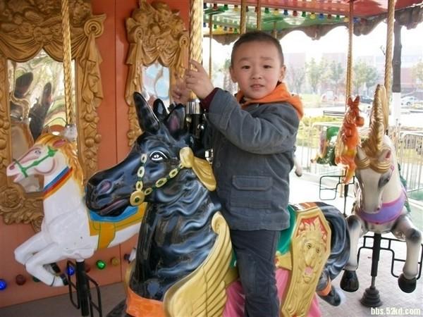 Умерший в результате халатности врачей пятилетний Ся Ченлинь. Провинция Цзянсу. Декабрь 2010 года. Фото с epochtimes.com