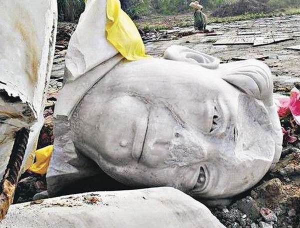 10-метровая статуя Мао была разбита в Китае.Фото: info.51.ca
