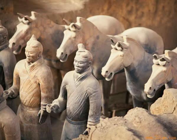 Терракотовая армия – загробное войско императора Цинь Ши-хуанди, объединившего Китай в единое государство. Фото с сайта icg.com