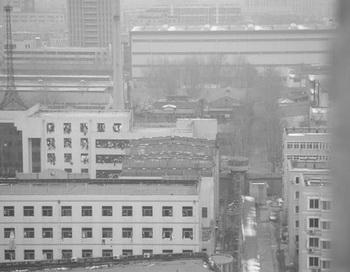 Стена женской тюрьмы провинции Шаньдун с восточной стороны.Фото:minghui.com