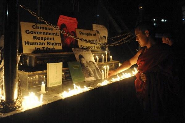 Акт самосожжения монаха вызвал протесты в Тибете. Фото: Raveendran AFP/ Getty Images
