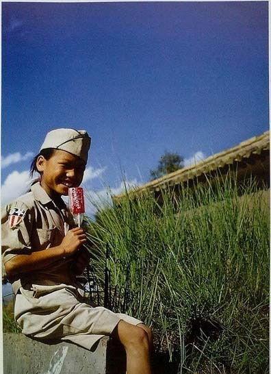 Китайская девочка в военной форме