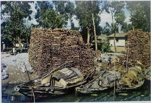 Место торговых водных перевозок, откуда транспортируются дрова, строительные камни и другие материалы