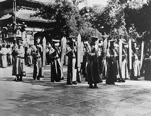 Обряд поклонения Конфуцию. Пекин. 1924 год. Фото с aboluowang.com