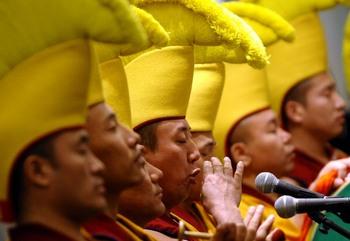 Власти Китая не пускают в Тибет туристов. Фото: TIMOTHY A. CLARY/Getty Images