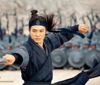 Джет Ли: «Я практиковал боевые искусства, чтобы быть здоровым, стань чемпионом, или актером, наконец. Но для драки — никогда!». Кадр из фильма: «Мумия 3»