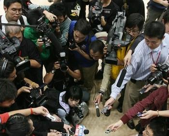 Китайские власти привлекают в свои СМИ уволенных сотрудников западных медиа. Фото: Getty Images