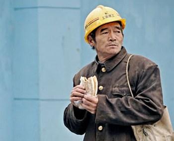 Китайские рабочие больше не хотят работать за копейки. Фото: PHILIPPE LOPEZ/AFP/Getty Images