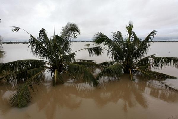 Наводнение на острове Хайнань. 6 октября 2010 год. Фото с epochtimes.com