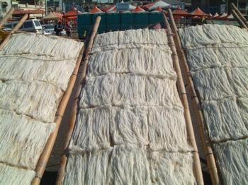 Рисовая лапша в континентальном Китае содержит много химических добавок. Фото с epochtimes.com