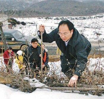 Партийный коррупционер Лун Чжихуа. Фото с gxnews.com.cn