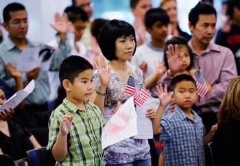 Церемония получения американского гражданства. Лос-Анджелес. 19 августа 2010 год. Фото: Kevork Djansezian/Getty Images