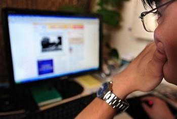 В Синьцзяне восстановлена работа Интернета после 300 дней блокады. Фото: Getty Images