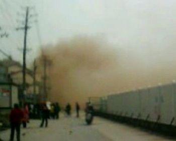 В Китае,городе Ухане провинции Хубэй взорвалась газовая магистраль. 15 марта 2010 год. Фото с epochtimes.com