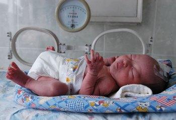 Учёные доказали ошибочность политики ограничения рождаемости в КНР. Фото: PETER PARKS/AFP/Getty Images