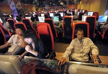 В коммунистической части Китая продолжает усиливаться контроль Интернета. Фото: AFP