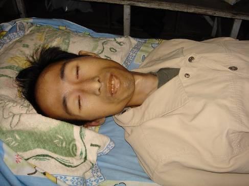 Лэй Мин, участник перехвата сигнала государственных телеканалов. Умер 6 августа 2006 года в результате репрессий. Фото с сайта minghui.com