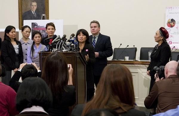 Участники пресс-конференции посвящённой призыву к Президенту Обаме поднять вопрос прав человека во время встречи с Ху Цзиньтао. Вашингтон. 18 января 2011 год. Фото: The Epoch Times