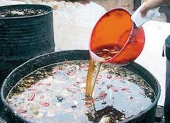 Ежегодная прибыль от производства из помоев токсичного масла в Китае превышает два миллиарда долларов. Фото с epochtimes.com