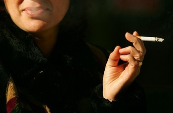 Китайский табак вреден для здоровья вдвойне. Фото: PEDRO ARMESTRE/AFP/Getty Images