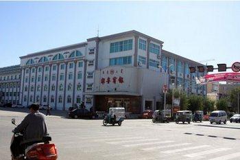 В Китае уезде Кайлу района Внутренней Монголии на каждые 33 жителя приходится один шпион органов безопасности. Фото с epochtimes.com