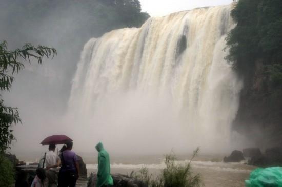 Водопад Хуангошу в городе Аньшунь провинции Гуйчжоу до засухи. Фото с epochtimes.com