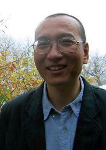 Китайский диссидент Ли Сяобо. Фото с epochtimes.com