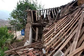 Землетрясение в Китае разрушило и повредило более 60 тысяч домов.Фото с blog.163.com