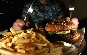 Пища китайцев становится всё более калорийной. Фото: Jeff J Mitchell/Getty Images