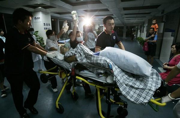 В результате аварии на аттракционе погибло 9 человек. Провинция Гуандун. 29 июня 2010 год. Фото с epochtimes.com