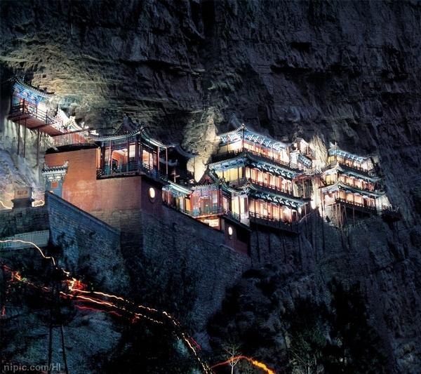 Храм Сюанькунсы на горе Хэншань. Фото с aboluowang.com
