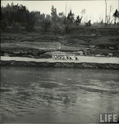 Три ущелья на реке Янцзы. 1946 год. Фото с history.huanqiu.com