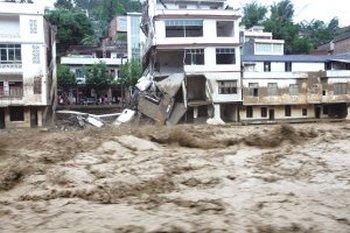 Засуха в  КНР  сменилась ливнями и  наводнениями,  погибли 14 человек