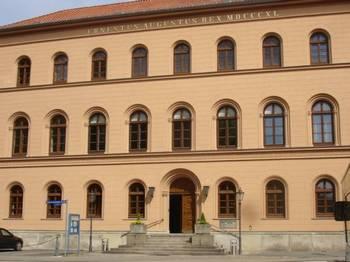 Здание Верховного Суда Нижней Саксонии в городе Целле,  где проходил процесс против шпиона Джона Чжоу. Фото: Renate Lilge-Stodieck