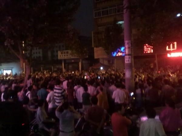 Бунт против произвола представителей властей. Город Цзилинь провинции Шаньдун. Августа 2011 год