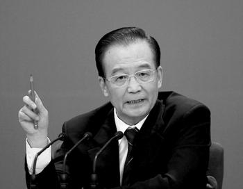 Китайский премьер Вэнь Цзябао на пресс-конференции после закрытия Всекитайского собрания народных представителей, 14 марта 2012 года, Пекин, Китай. В своём выступлении Вэнь Цзябао предостерёг от новой «культурной революции» и подверг критике события в Чунцине, где главой парткома был Бо Силай. На следующий день Бо Силай был отстранён от этой должности. Фото: Feng Li/Getty Images