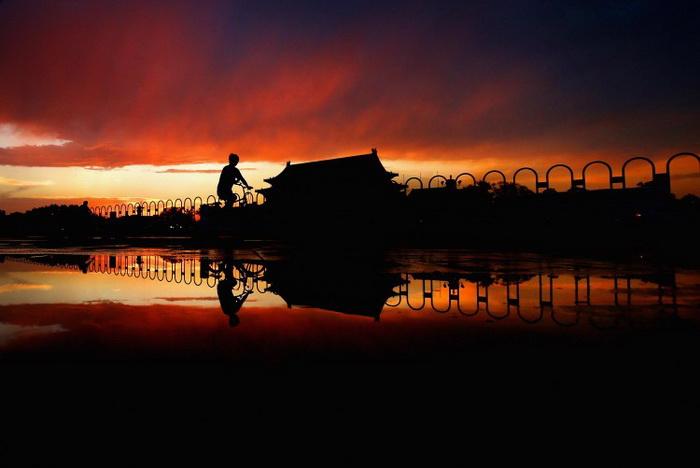 Площадь Тяньаньмэнь, июнь 2012 года. Коммунистическая партия Китая (КПК) в настоящее время находится в крайне неустойчивом состоянии, по мнению аналитиков. Фото: Feng Li/Getty Images