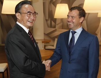 Россия в ущерб себе приобретает дружеское расположение КНР. Фото: VLADIMIR RODIONOV/AFP/Getty Images