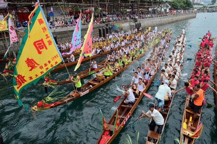 Абердинские гонки-2013 на драконьих лодках в Гонконге. Фото: Song Xianglong