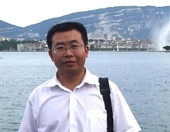 Цзян Тяньюн недавно сообщил в Твиттере, что более десятка адвокатов в Китае были лишены лицензий на юридическую практику после ведения ими политически чувствительных дел. Фото: The Epoch Times