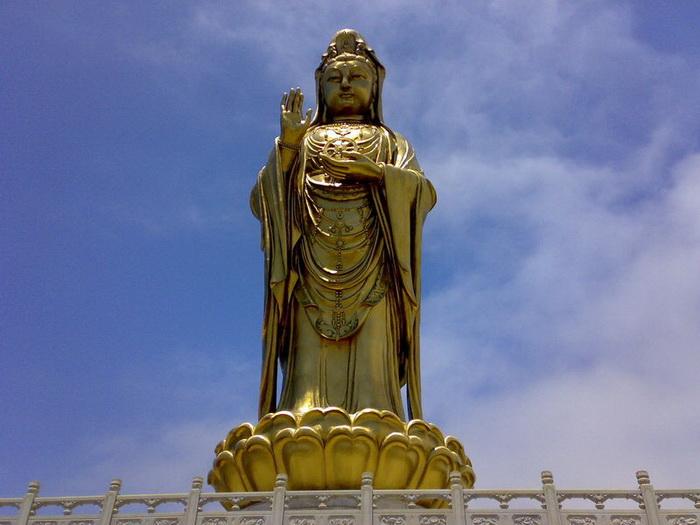 Статуя Бодхисатвы Гуаньин. Фото: kanzhongguo.com