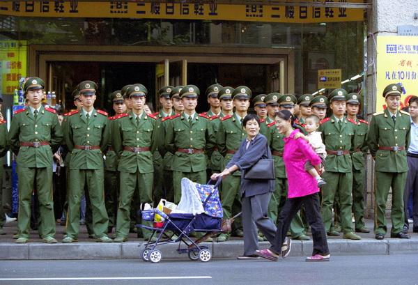 Китайские зарисовки. Китайцы дома и на работе. Фото: Kevin Lee/Getty Images