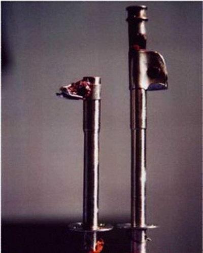 Такая длинная железная труба постоянно находится  в  желчном пузыре  в течении многих лет, и рана никогда не заживает. Фото: 360doc.com