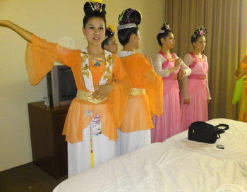 Костюмы эпохи династии Тан. Фото: Великая Эпоха (The Epoch Times):